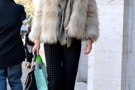 fur-coat-high-bun-NYFW-streetyle-look-newyork-mybigapplecity