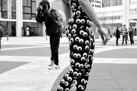 streetyle-look-newyork-mybigapplecity-blackandwhite-eyes