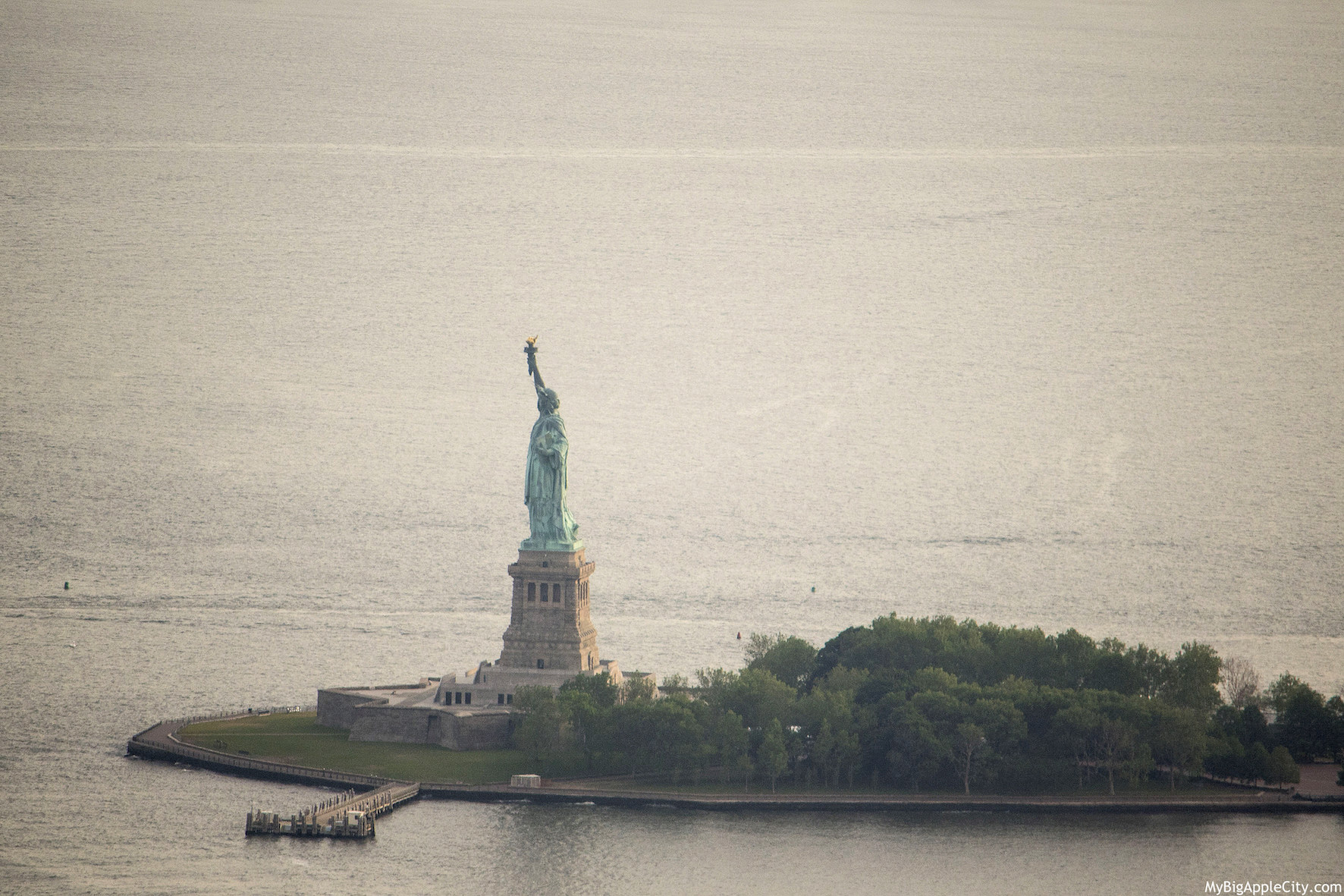 Liberty-Island-One-WTC-visit-New-York-MyBigAppleCity