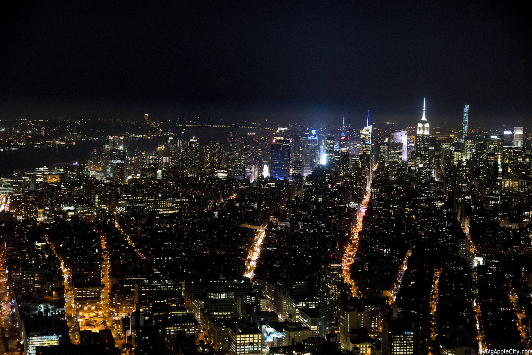 Night-View-Skyline-Manhattan-WTC-NYC-MyBigAppleCity