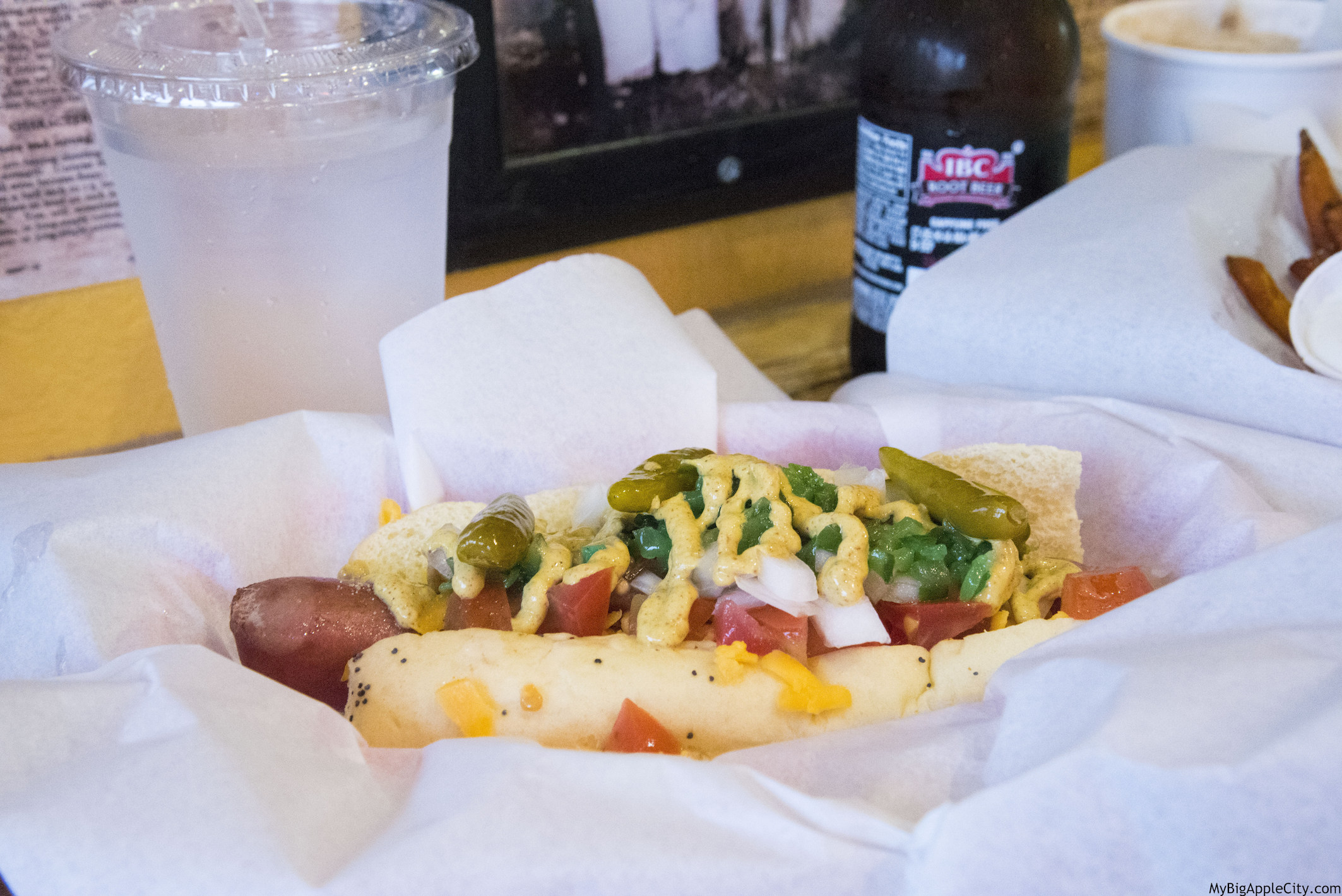 Crockers-best-hot-dog-newport-beach-mybigapplecity