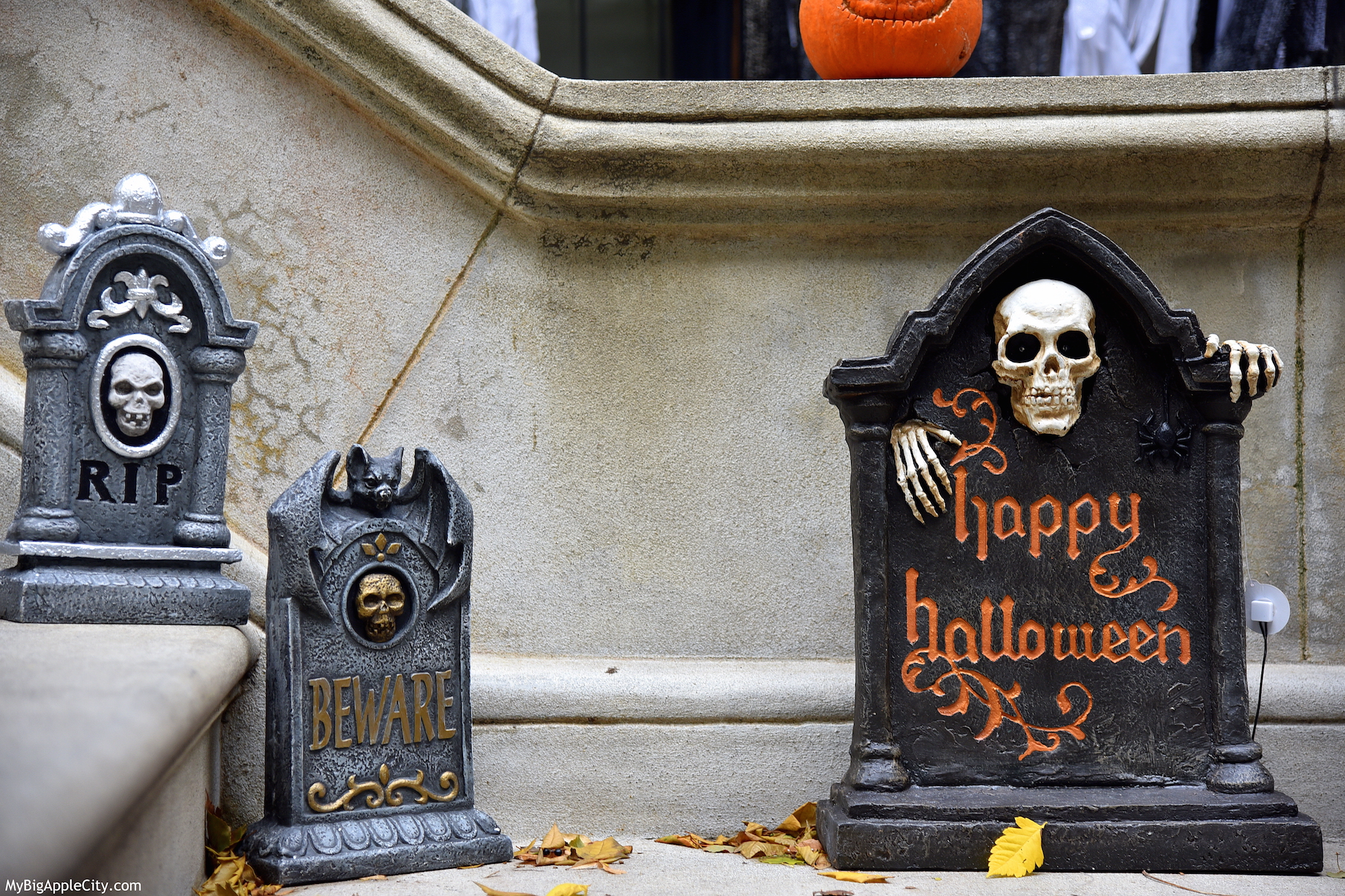 Halloween-NYC-graveyard-2015-travel-MyBigAppleCity