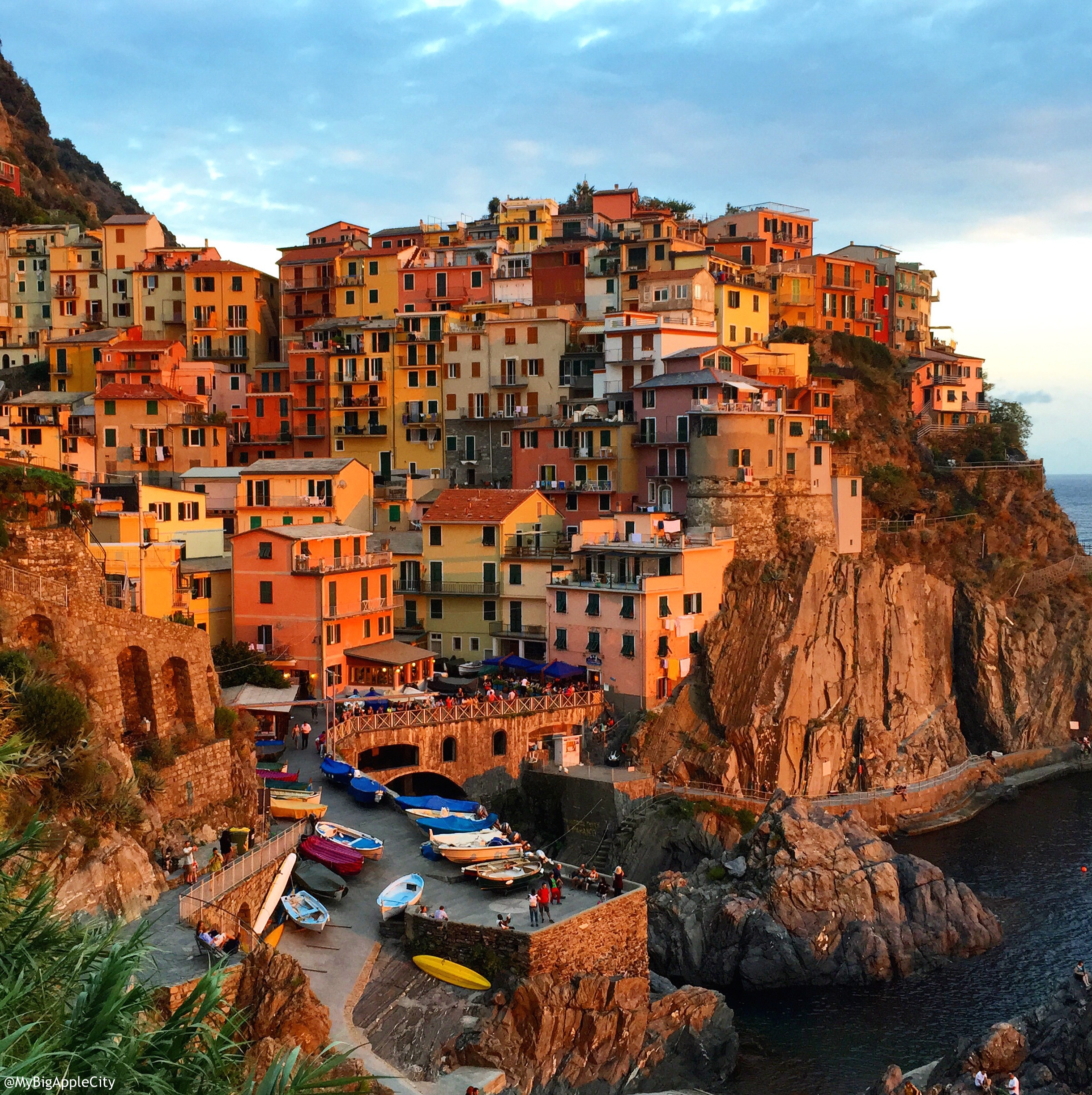MyBigAppleCity-Sunset-Cinque-Terre-Travel-Blogger-France-instagram