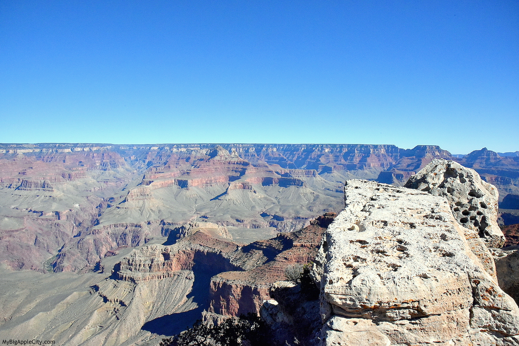 Visit-Grand-Canyon-USA-travel-blogger-MyBigAppleCity