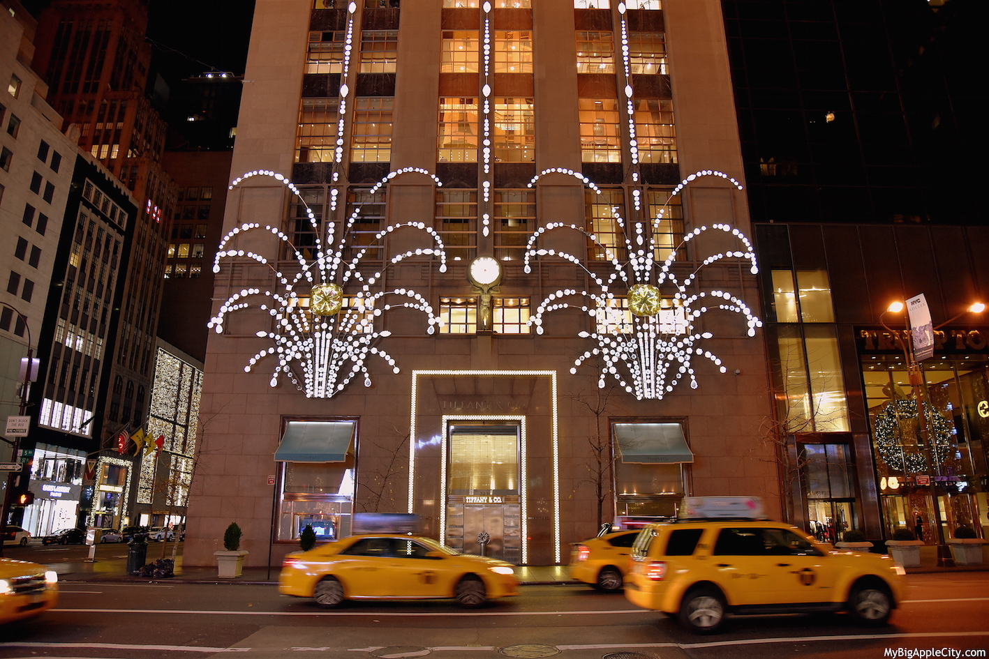 Tiffany-Christmas-Fifth-avenue-new-york-manhattan-mybigapplecity