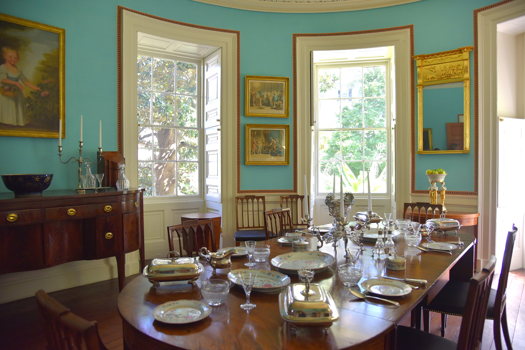 Dining room of Nathaniel Russel house tour in Charleston South Carolina