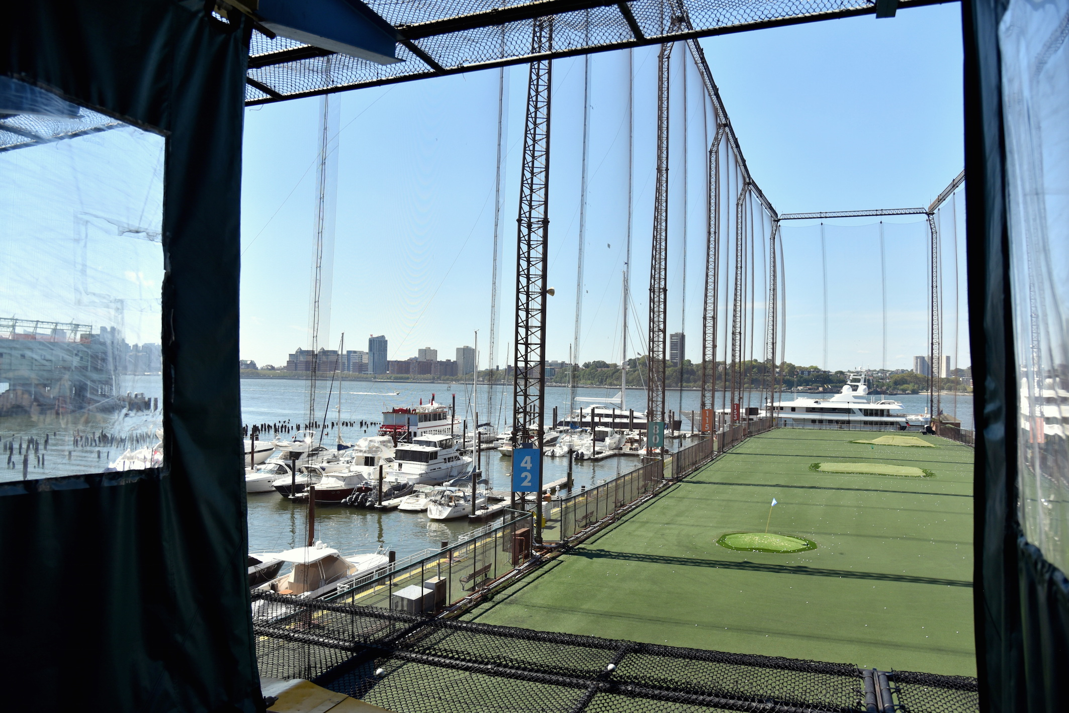 Golfing in New York City, Chelsea Piers manhattan