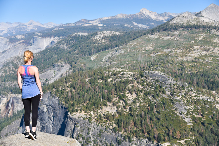 Fashion Travel Blogger visit Yosemite