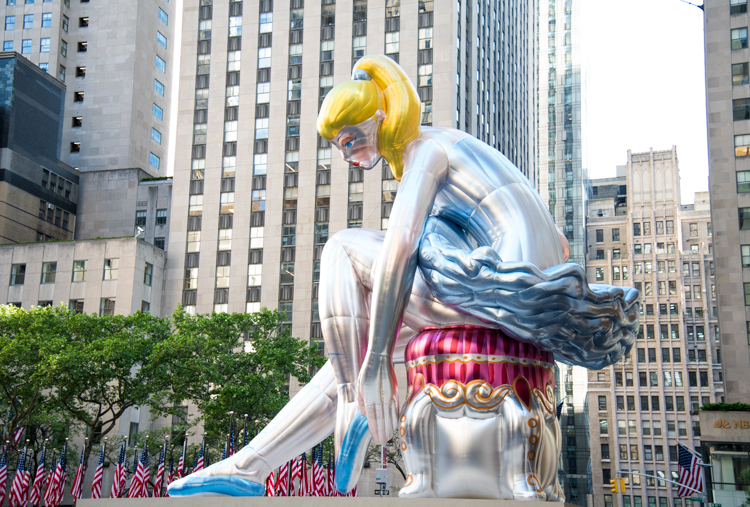 Jeff Koons Ballerina NYC Rockefeller Center