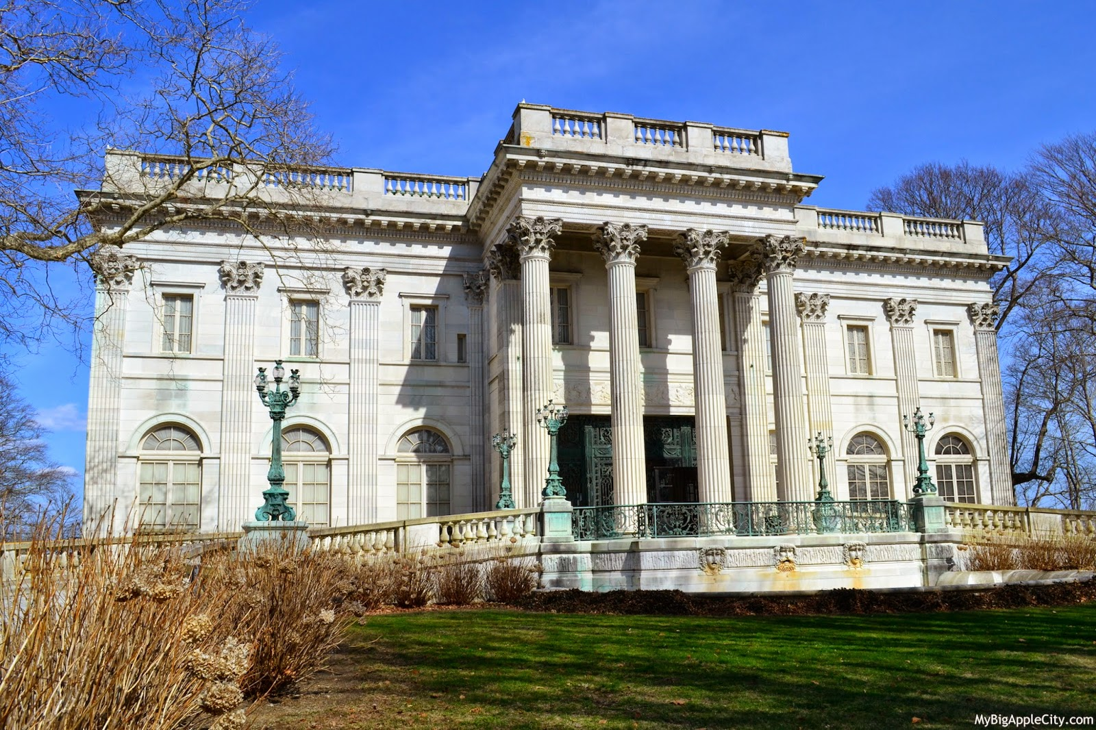 visit-newport-marble-house-mansion-mybigapplecity