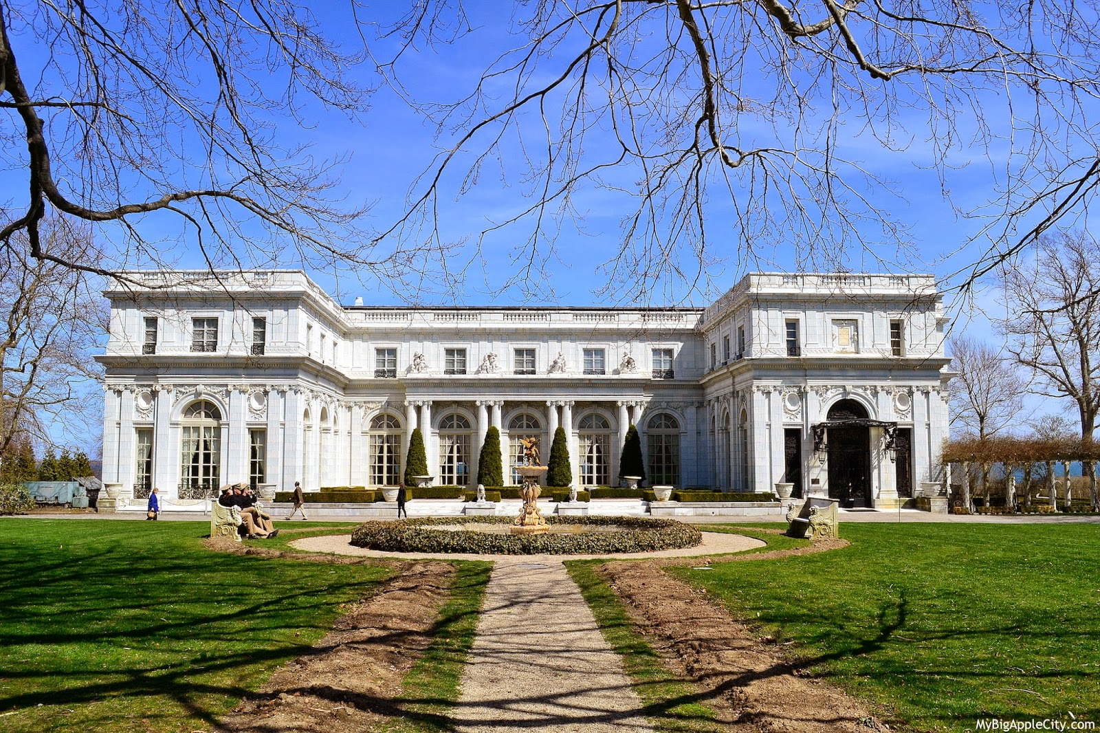 Rosecliff-Gatsby-house-Newport-movie-mybigapplecity
