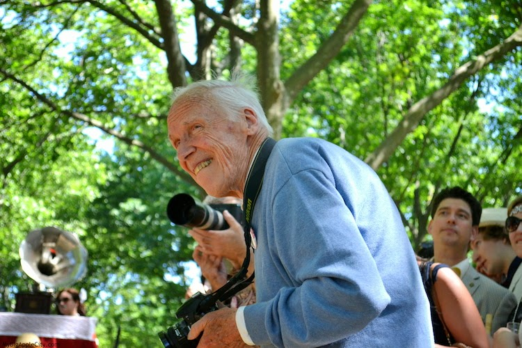 Bill-Cunningham-New-York-Photographer-2014